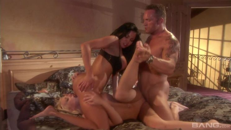 Kara Mynor wants Audrey Bitoni to join her and her husband in a threesome