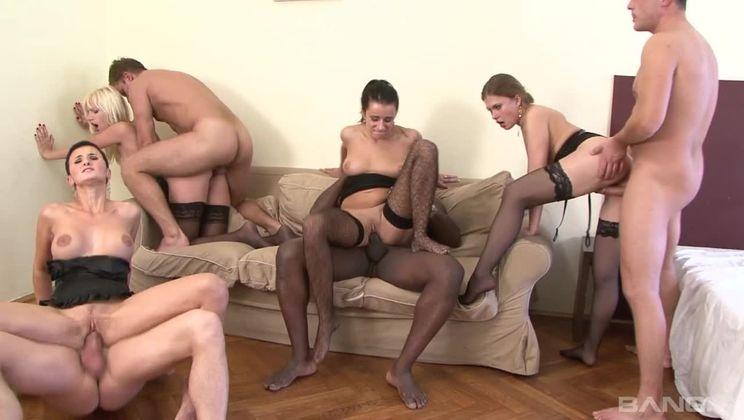 Mandy Saxo, Defrancesca Gallardo and Morgan Moon love a good orgy!